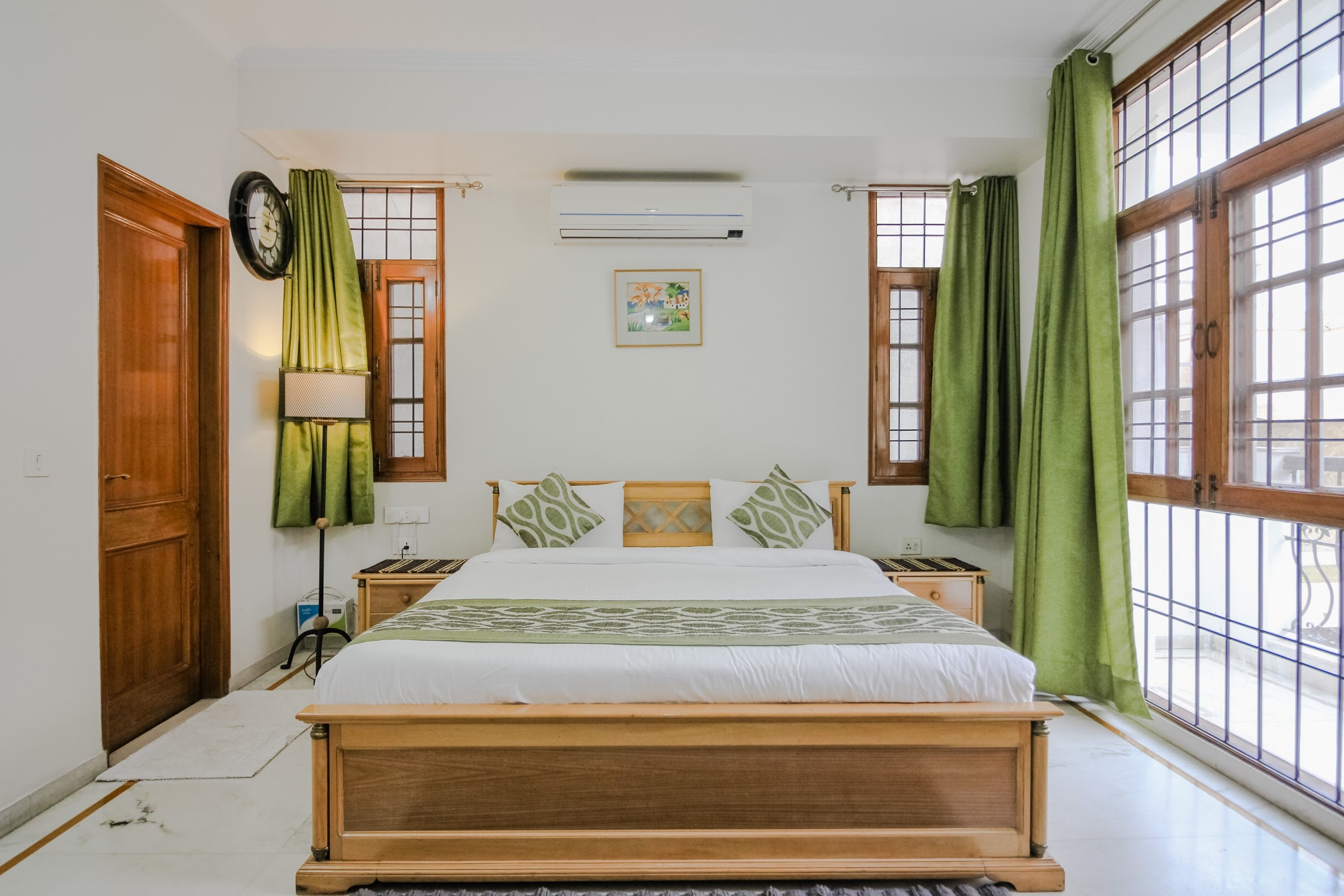 UMR Private Room Near AIIMS & Green Park Metro