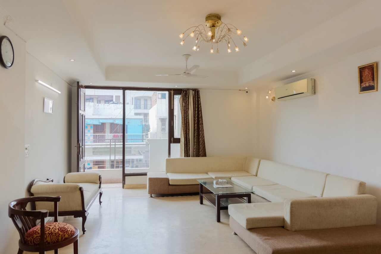 UMR Classic Private Room Near Green Park Market